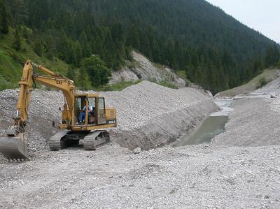 Schotterentnahme nach Hochwasser
